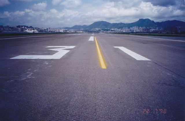 1998 Kai Tak Runway 31 looking in a north-westerly direction