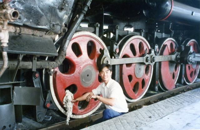 QJ Steam Locomotive Cleaning  - Zhaoqing