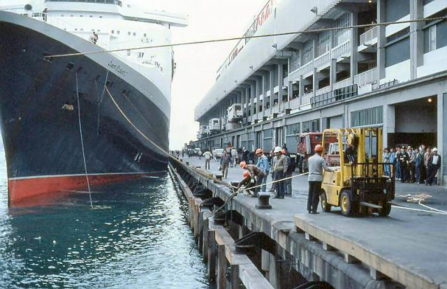 1984 - QE2 arriving at Ocean Terminal