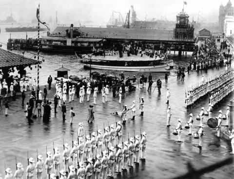 Blake's Pier, Hong Kong, 1922 – arrival of the Prince of Wales.