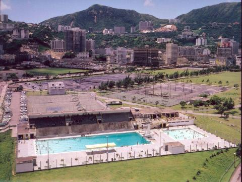 1965 Swimming Pools of Victoria Park in Causeway Bay = 銅鑼灣維多利亞公園游泳池