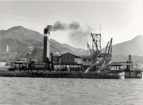 "Wesselingh family archive: dredger ""Portugal"" in Hong Kong, Causeway Bay Reclamation, 1953"