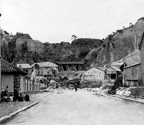 Public Square Street, Temple Street junction, Yau Ma Tei,1910s