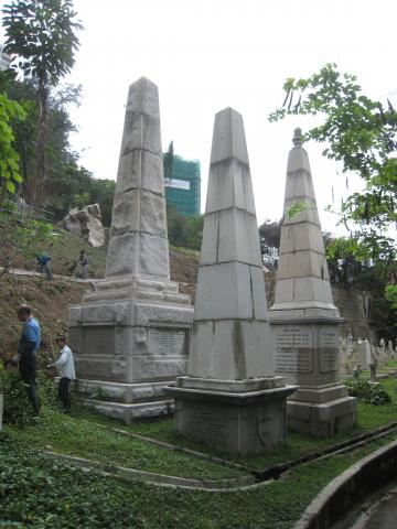 Monuments in HK Cemetery