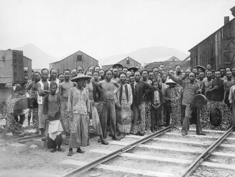 c.1907 Quarry workers at the new Taikoo Dockyard