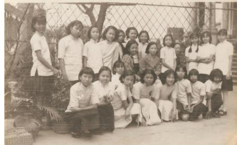 Maryknoll-C1937- Gathering of Primary School Classmates