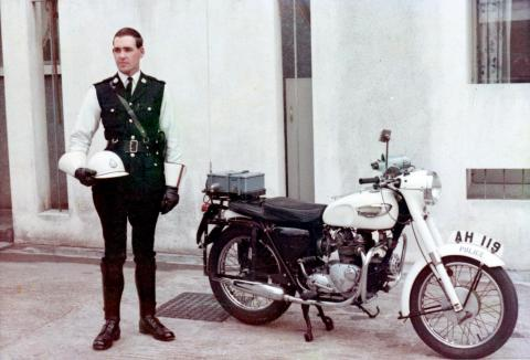 Hong Kong Police -Traffic-Branch- Motorcycle & Inspector's winter uniform -1968