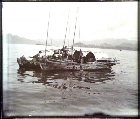 Sampans in Hong Kong Harbour.JPG