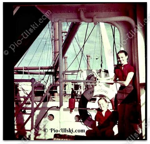 1953 On the way to Singapore on the Antilichus