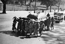 Hong Kong 1930s, funeral procession, vehicle registration 2748