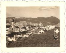 Boys on Kadoorie Hill c1937. Photo by Tom Hutchinson.