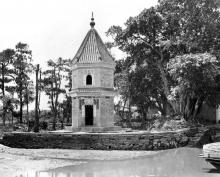 Pavilion rather than Pagoda-still exists in present day Guangzhou