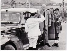 Montgomery arrives at Queenshill Camp.jpg