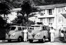 repulse-bay-hotel-shuttle-vans-and-drivers-circa-1960s.jpg