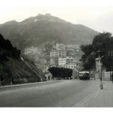 1930s Queen's Road East towards Kennedy Rd