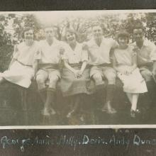 Florence Neave, George, Annie, Willy, Doris and Andrew Duncan.jpg