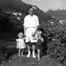 HK 14 Bowen Road Dad, Ian and Jane c.1955.jpg
