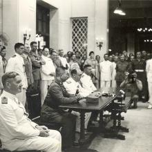Hong Kong Japanese Surrender 2.jpg
