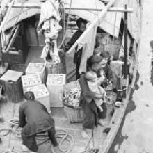 Hong Kong, women and children on a boat